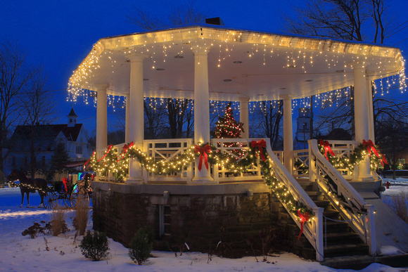 Barre Common Gazebo Holiday Lights